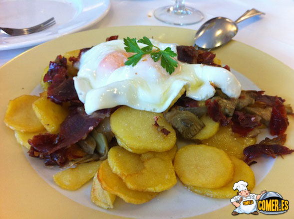 patatas fritas con huevos valencia